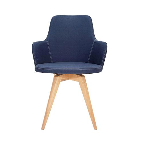 silla tapizada en lino, madera eucalipto