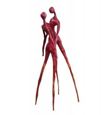 escultura cartapesta pareja