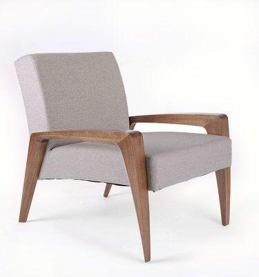 Sillón contemporáneo de madera de Eucalipto con tapizado gris