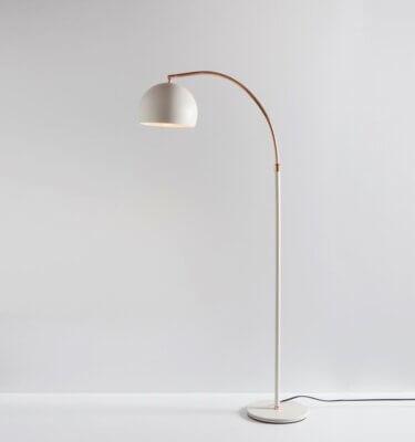 Lámpara de pie arco chico blanco con bronce